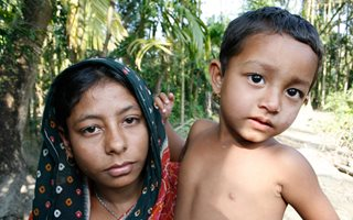 2008_bangladesh_young-mother_cathrinebgjesti
